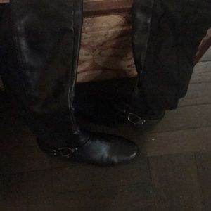 Knee high boots. Size 10M